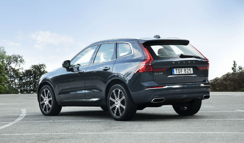 208164_the_new_volvo_xc60_t6_b.jpg
