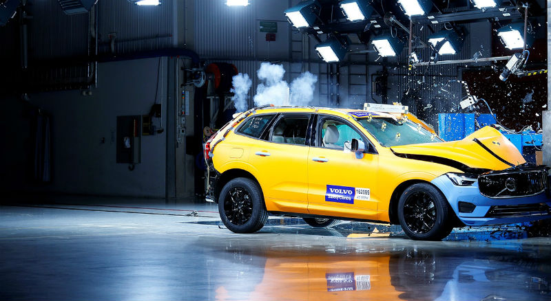 205040_the_new_volvo_xc60_crash_tests_b.jpg