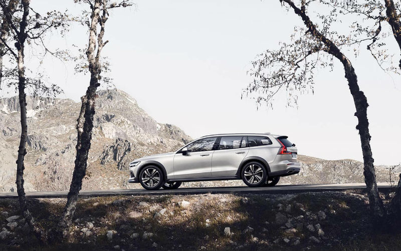 volvo-v60-cross-country-big4.jpg