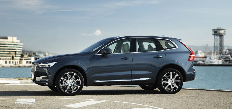208163_the_new_volvo_xc60_t6_b.jpg