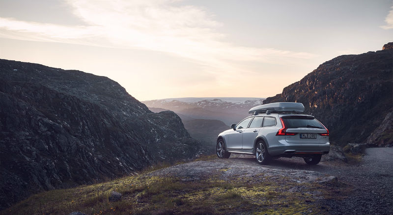 215851_volvo_v90_cross_country_volvo_ocean_race_exterior_on_location_b.jpg